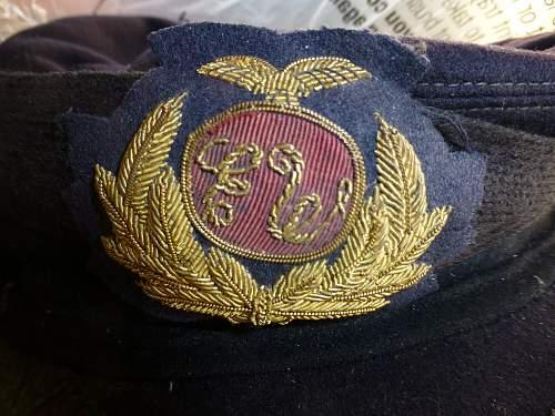 Navy cap badges ?