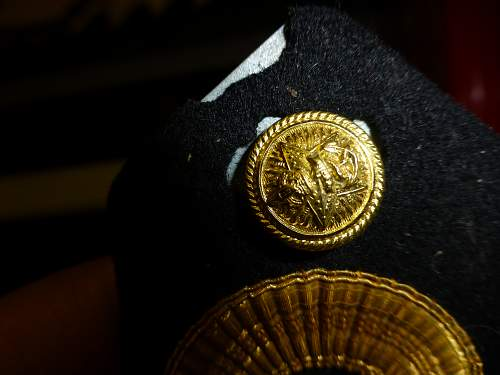 Are these Royal navy padre insignia