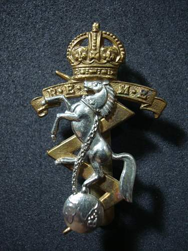 Some British Cap Badges for Review