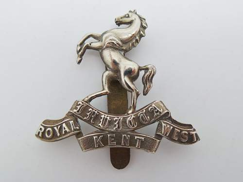 trying to identify a cap badge shadow [long shot]