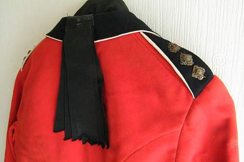 Click image for larger version.  Name:RWF mess jacket and waistcoat 3.jpg Views:63 Size:200.0 KB ID:861743