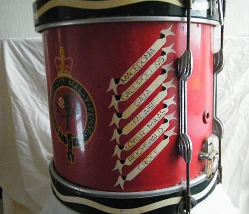 Click image for larger version.  Name:Welch regiment side drum 6.jpg Views:60 Size:232.5 KB ID:927749