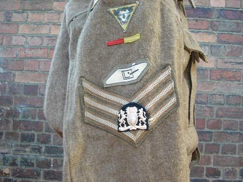 37/40 BD blouse-missing badges
