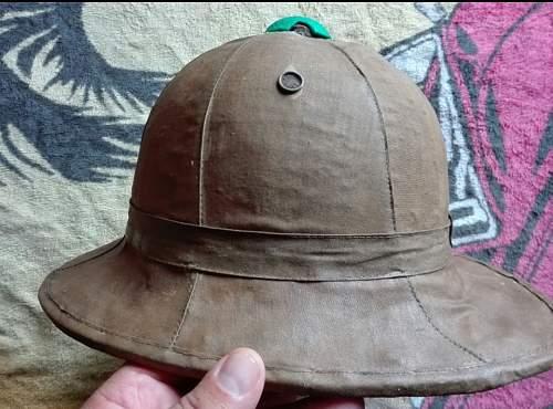 Italian pith helmet?