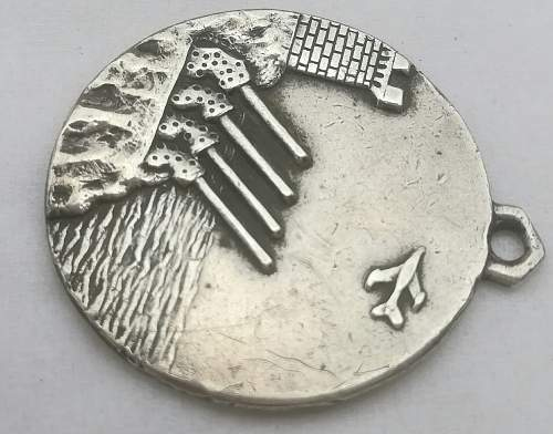 Post ww2 ?!?! Italian Navy Artillery Silver Medal