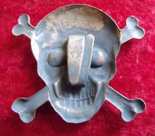 Brigate Nere skull insignia