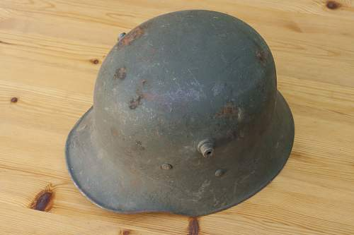 Information on Austrian M17 helmet as used by the Finnish Army