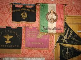 Italian RSI Flagpole / Standard ?