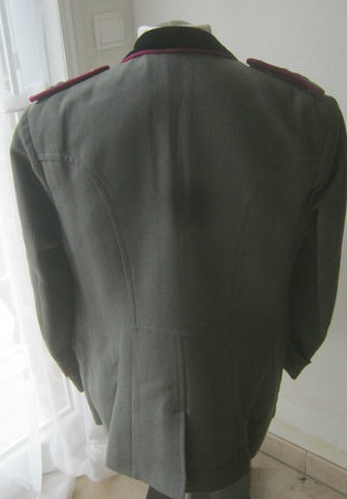 Can anybody help me out with this Italian Tunic and Trousers?