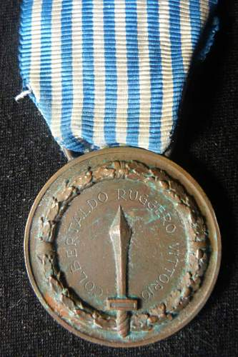 Click image for larger version.  Name:italian officers medal 001.jpg Views:81 Size:62.3 KB ID:405039
