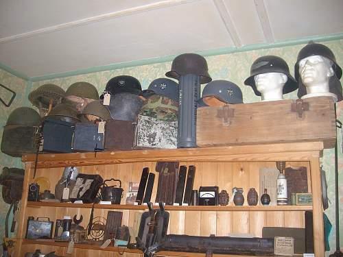 Italian pith helmet