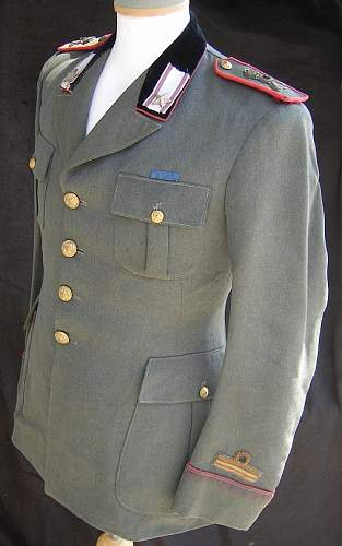 Click image for larger version.  Name:M5128_Italian_Modena_Div_officers_uniform.JPG Views:172 Size:114.5 KB ID:61162