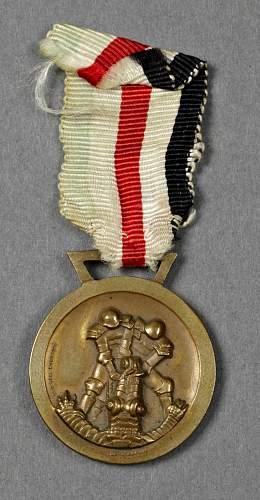 Italienisch-deutschen Feldzug in Afrika medal for review and question.