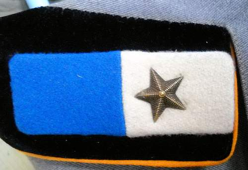 About collar tabs in Greco Albanian front