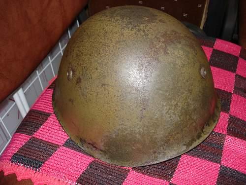 Italian M33 helmet - war or postwar issue?