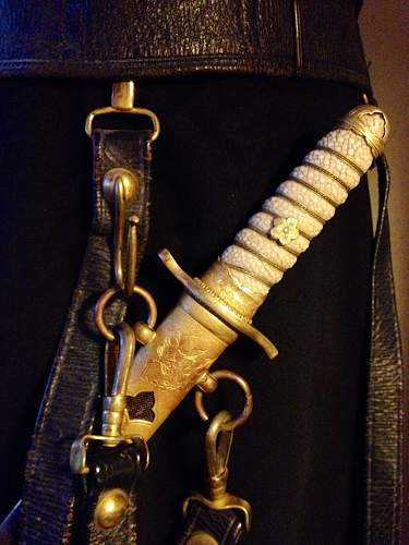 Japanese Naval Dagger with cloth hangers