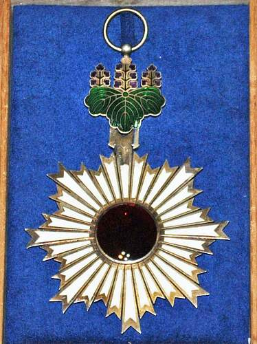 Order of the rising sun first class
