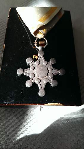 Order of the Sacred Treasure 8th class