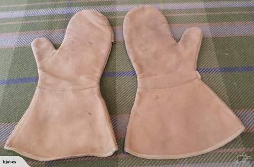 WW2 Japanese Rabbit Fur Gloves?
