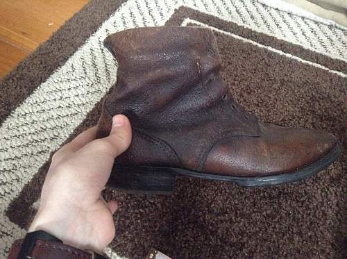 Two pairs of Japanese WW2 boots, real or fake? Thoughts?