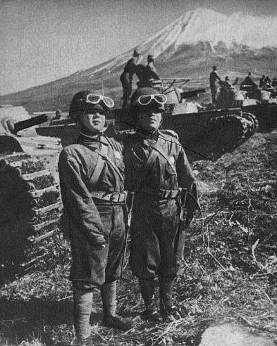 Click image for larger version.  Name:Bantam_soldiers_and_tank.jpg Views:147 Size:163.0 KB ID:808362