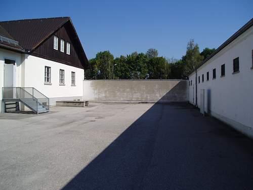 003 Dachau execution wall.jpg