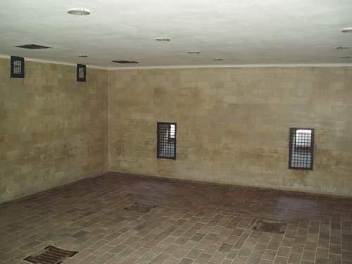 010 Dachau gas chamber.jpg