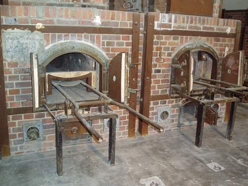012 Dachau crematorium.jpg