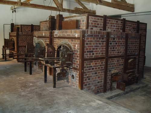 014 Dachau crematorium.jpg