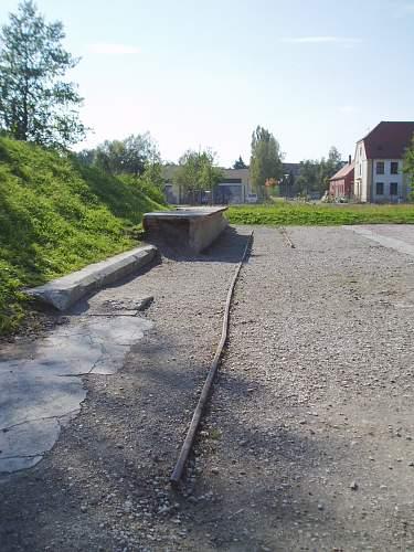 023 Dachau railway platform outside.jpg