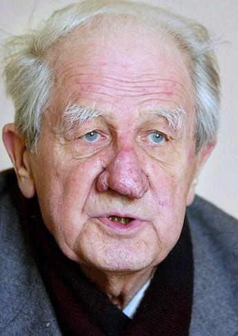 Wilhelm Brasse - Auschwitz photographer.jpg