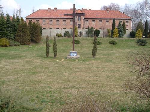Mass graves near Auschwitz-I, Stammlager