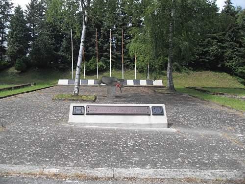 REICH-MEMORIAL-HÄFTL-UNTERK.jpg