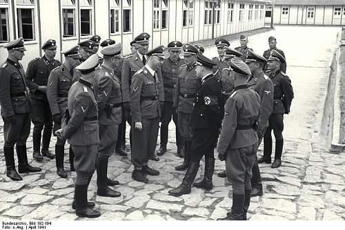 Click image for larger version.  Name:Bundesarchiv_Bild_192-194,_KZ_Mauthausen,_Himmler_und_Eigruber.jpg Views:2 Size:87.2 KB ID:646194