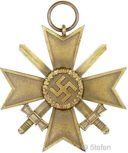 Kriegsverdienstkreuz 1.Klasse mit Schwertern 33  Friedrich Linden, Ludenscheid