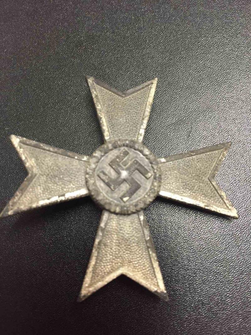 Need help! Kriegsverdienstkreuz Klasse 1 ohne Schwertern L/14 - Orth