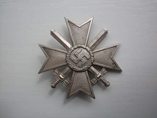 Kriegsverdienstkreuz Klasse 1 mit schwerten (original ?)