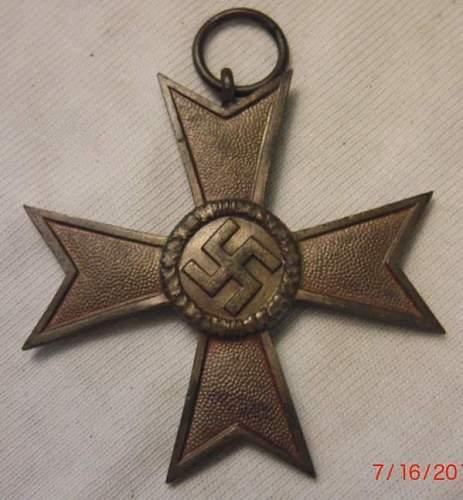 Click image for larger version.  Name:War Merit Cross (Kriegsverdienstkreuz).jpg Views:361 Size:44.7 KB ID:122621