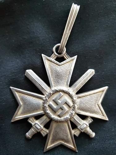 Ritterkreuz des Kriegsverdienstkreuzes mit Schwertern - Opinions
