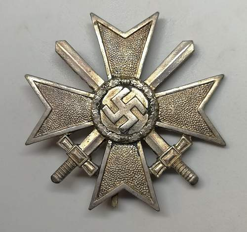 Kriegsverdienstkreuz 1.Klasse mit Schwertern. Very hard to find tombac cross.