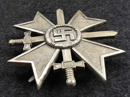 Kriegsverdienstkreuz 1.Klasse mit Schwertern, Deumer zinc cross.