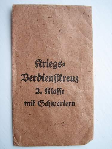 Click image for larger version.  Name:KVK 2nd mit schwerten F Wiedmann.jpg Views:81 Size:253.3 KB ID:145501