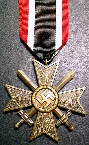 Click image for larger version.  Name:5) Merit Medal with Swords 2nd Class mm9 (Liefergemeinschaft, Pforzheimer Schmuckhandwerker).jpg Views:80 Size:167.4 KB ID:145601