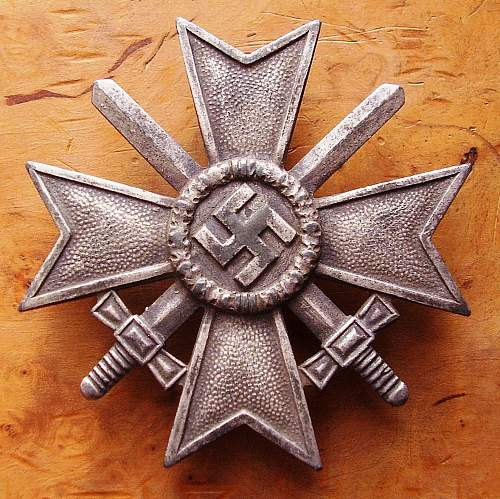 Kriegsverdienstkreuz 1.Klasse mit Schwertern - L58