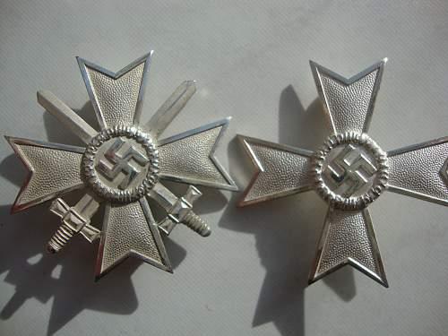 Cased Deschler KVK1 with swords