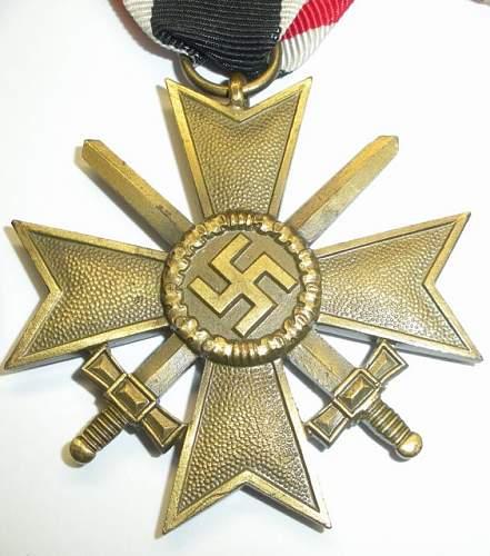 Click image for larger version.  Name:War Merit Cross 2 w swords.jpg Views:242 Size:69.8 KB ID:234553
