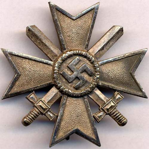 Kriegsverdienstkreuz 1.Klasse mit Schwertern L15