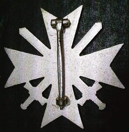 Click image for larger version.  Name:24) KVK w-swords rear.jpg Views:90 Size:101.0 KB ID:349314