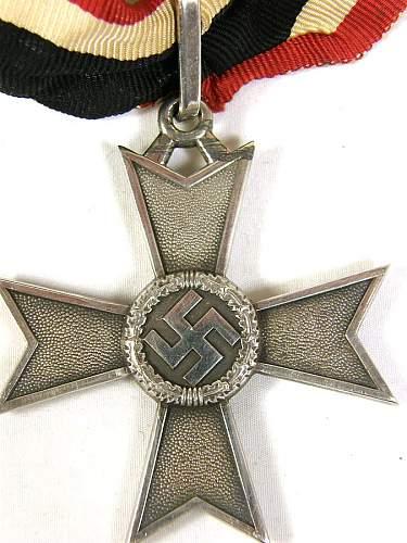 Ritterkreuz des Kriegsverdienstkreuzes ohne Schwerter: Real or fake?