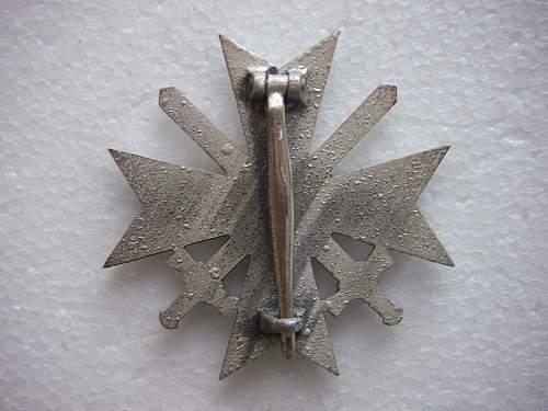 Click image for larger version.  Name:Kriegsverdienstkreuz 1.Klasse mit Schwertern unmarked 4.jpg Views:94 Size:241.4 KB ID:435388